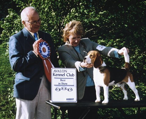 Kim and Ricky receiving Best in Show, 2005
